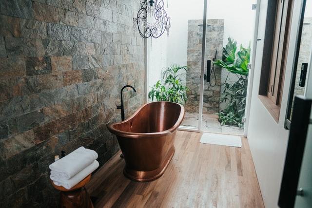 wanna w pokoju kąpielowym